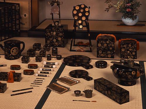 伝統化粧の完成期<br>江戸時代2 初期は武家のステータス化粧