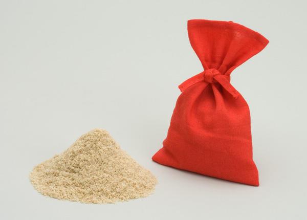 洗顔に使われていた糠と糠袋。(再現)